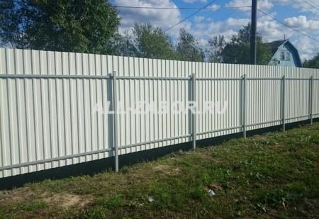 Металлический забор из профнастила 1,7 м