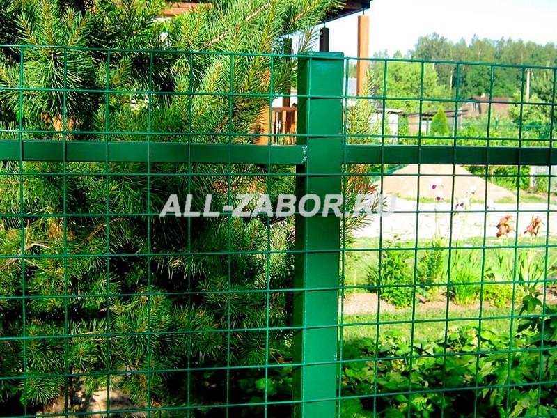 Забор из сварной сетки для загородного дома